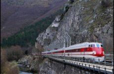 Sperone roccia minaccia strade e ferrovia Genga. Treni cancellati domenica Ancona Roma per rimozione