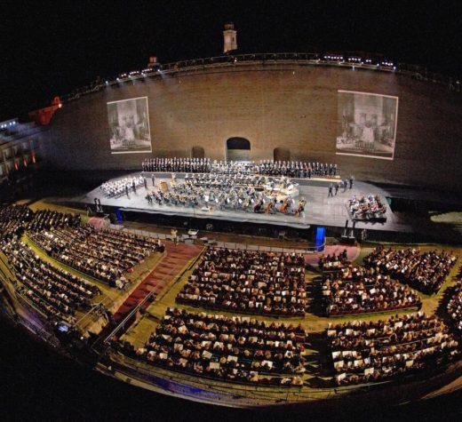 Lavorare al Macerata Opera Festival. L'Arena Sferisterio cerca fotografi e videomaker