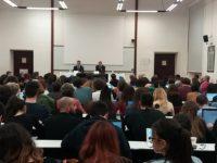 L'Ambasciatore Massolo a Macerata. Uscire da crisi istituzionale e tutelare gli interessi nazionali