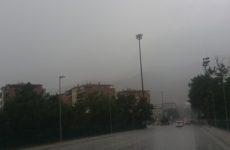 Bomba d'acqua su Ancona. Madre e figlia stavano per annegare in auto, salvate in extremis
