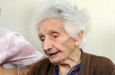 Nonna Peppina ha vinto e può tornare nella sua casetta di legno a Fiastra. Ma i problemi per i terremotati restano..