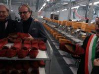 Gentiloni battezza ad Arquata la fabbrica di calzature dei Della Valle. A regime 100 occupati