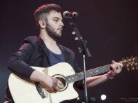 Lorenzo Fragola da X Factor al Battente di Ascoli, domenica un mini live per i fans