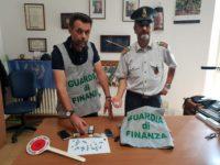 Finanza Civitanova sequestra cocaina e hashish a 2 tunisini. Un arresto e una denuncia