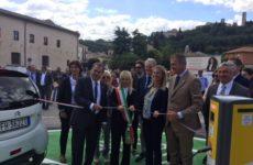 Il futuro è nell'auto elettrica. A San Severino Marche la prima colonnina pubblica per la ricarica dei veicoli