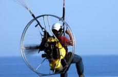 Studenti marchigiani inventano nuovo sistema controllo parapendio a motore. Prototipo alla Market Faire di Roma