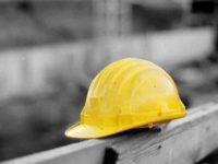 Operaio muore colpito da escavatore nel cantiere Inrca di Camerano
