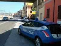 Quattro asiatici gettano peperoncino e malmenano a sprangate giovane davanti scuola Ancona. Arrestati dalla Polizia