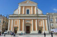 (ANSA) - SENIGALLIA (AN), 13 APR - Terremoto: riaperto il duomo San Pietro Apostolo di Senigallia.