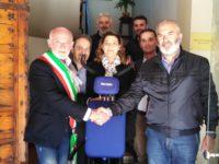 Comune accogliente per i disabili. Castelleone di Suasa vince la Bandiera Lilla, primo nelle Marche