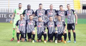 Ascoli sconfitto dallo Spezia per 3-2. Arbitro Volpi espelle due bianconeri