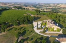 """Guida """"Cantine d'Italia 2021"""", otto aziende eccellenti delle Marche"""