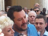 Salvini arriva a Pesaro. Visita all'Unione Ciechi e poi comizio in piazza