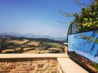 Stranieri comprano a man bassa case e ville antiche a Montedinove