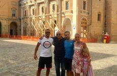 Seimila chilometri a piedi per lottare contro la sclerosi multipla
