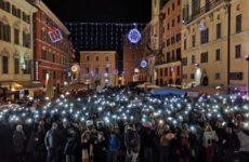 Ad Ancona sfida ravvicinata tra Meloni e sardine..