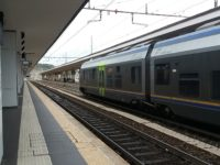 Muore sotto un treno a Fano, circolazione in tilt