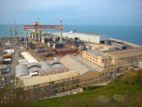 Tragedia al porto di Ancona. Operaio muore cadendo da nave in costruzione