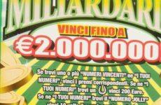 Disoccupato vince 300 mila euro al gratta e vinci