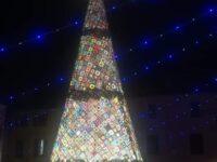 A Mondolfo albero di Natale di 7 metri fatto all'uncinetto
