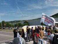 """""""Brevetto libero sui vaccini"""": Centri sociali protestano alla Pfizer"""