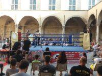 Ascoli, il Kick boxing nel centro storico appassiona il pubblico