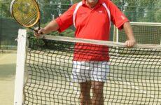 """Bepi Zambon : in un libro la vita di uno vero """"maestro"""" del tennis"""