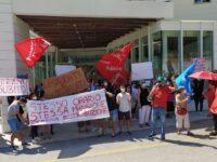 Sanità, Dipendenti Kos Care protestano ad Ascoli per il rinnovo del contratto