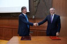 Accordo da 150 miliardi tra Intesa Sanpaolo e Confindustria